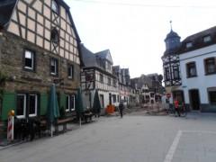 Fachwerkhäuser am Mosel Radweg in Kobern Gondorf
